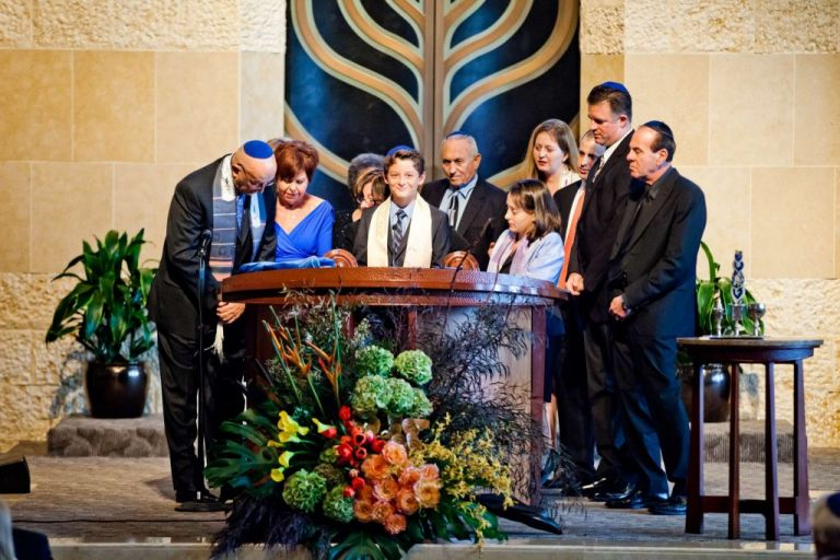 San Diego Bar Mitzvah family photo in synagogule